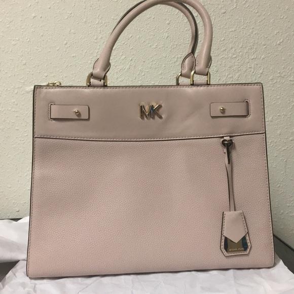 e9cec5795e7b62 Michael Kors Bags | Reagan Large Satchel Soft Pink | Poshmark
